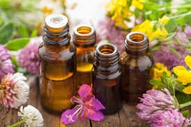 Ep. 7 – Ashlie Pappas: Essential Oils 101