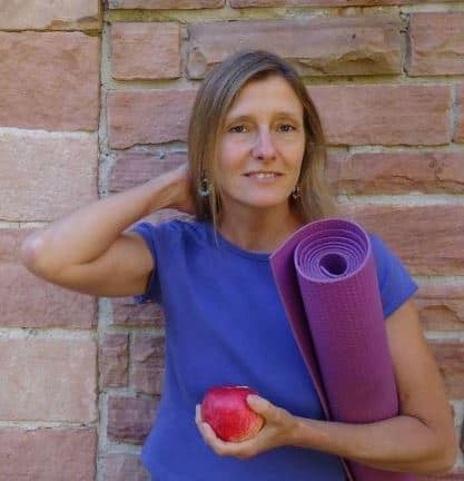 Ep. 29 – Mindfulness Practices for the Holidays, Losing Weight, & The New Year – with Paula Youmell